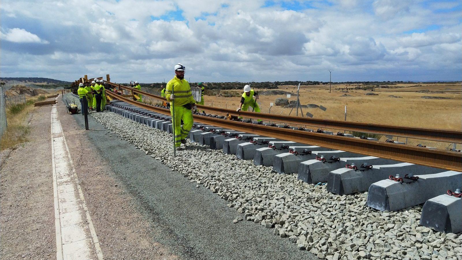Diversas empresas y entidades españolas trabajan para estandarizar un BIM ferroviario