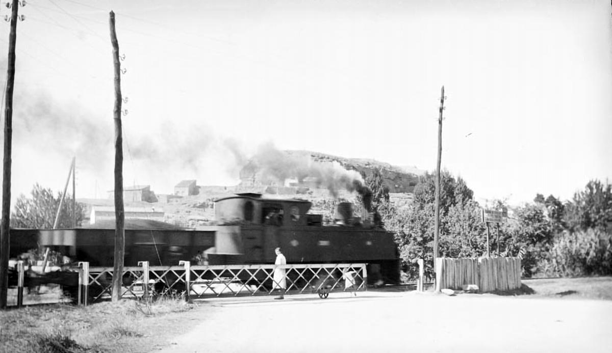 Tren carregat de potassa amb destinació al port de Barcelona / Arxiu Nacional de Catalunya (Autor: Josep Puig i Cadafalch)