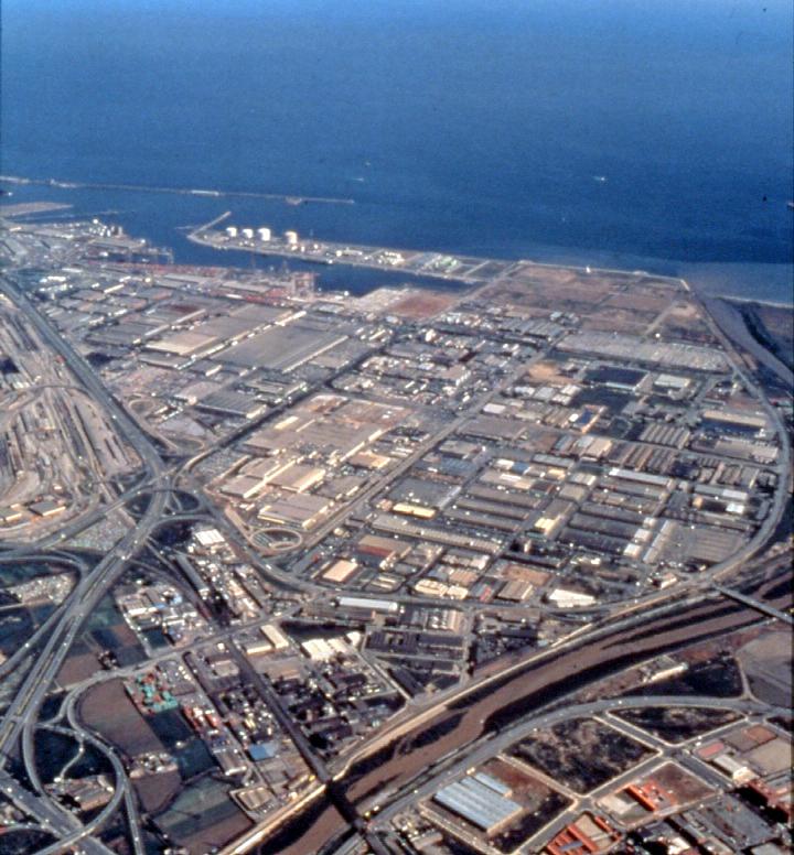 Vista aèria amb els terrenys de la futura ZAL a la dreta / Arxiu Autoritat Portuària de Barcelona (Autor: Lluís Castellà)