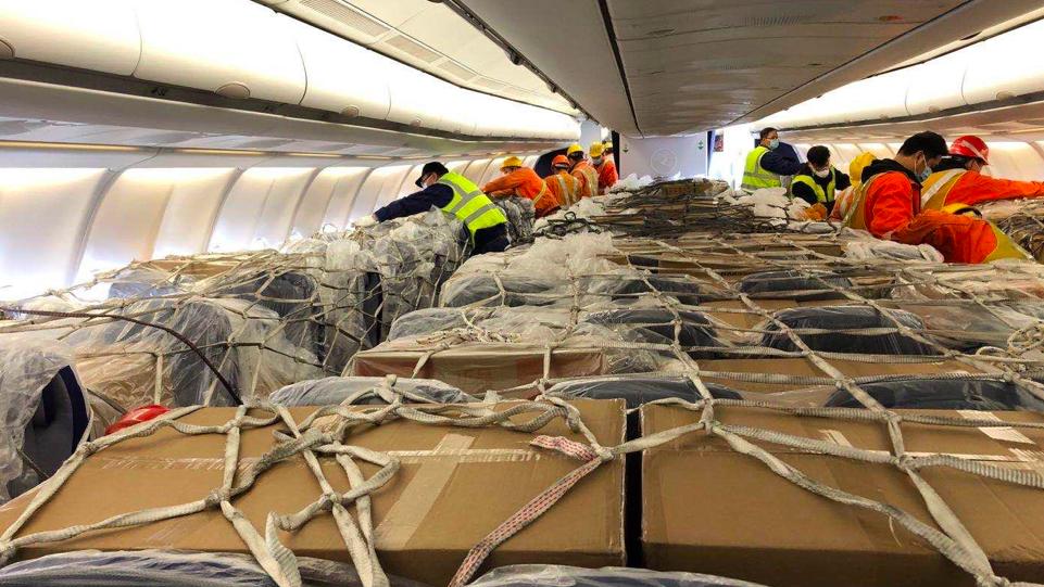 Las aerolíneas reconvierten aviones de pasajeros en cargueros