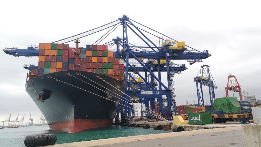 Los cuatro grandes puertos españoles pierden un cuarto del tráfico en marzo