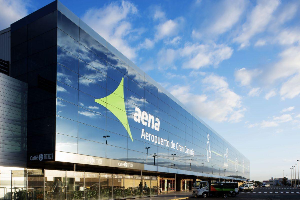 Competencia da el visto bueno a la congelación de tarifas de Aena para este año