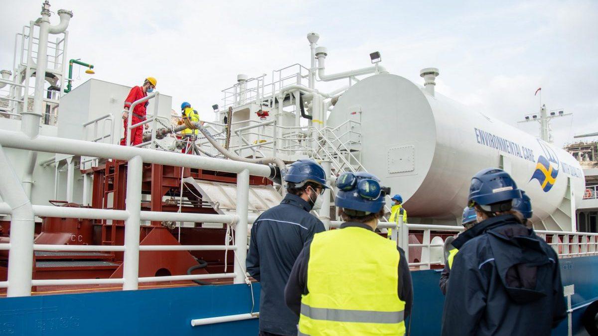 Repsol realiza un bunkering de GNL con compensación de emisiones en Cartagena