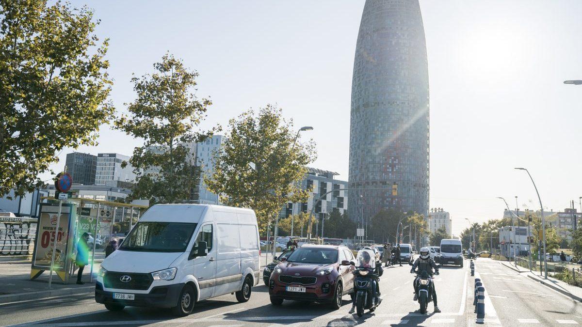 Barcelona deja atrás la moratoria para transportistas en su zona de bajas emisiones